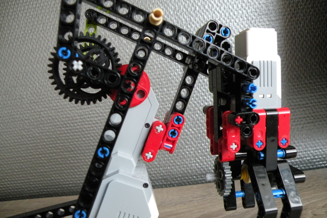 Robot arms lego mindstorms ev3 projects for Ev3 medium motor arm